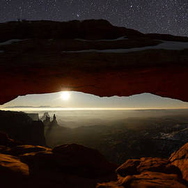 Starry Mesa Arch by Dustin  LeFevre