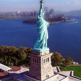 Statue of Liberty I by Kim Lessel