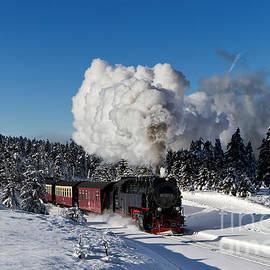Christian Spiller - Steam train to the winterly Brocken mountain