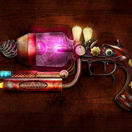 Mike Savad - Steampunk - Gun -The neuralizer
