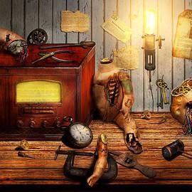 Mike Savad - Steampunk - Repairing a friendship