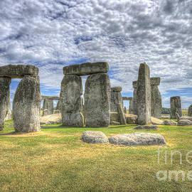 Stonehenge by Darren Wilkes