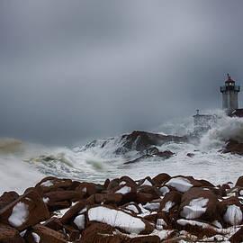 Jeff Folger - Storm off Eastern Point Lighthouse