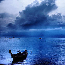 Kaleidoscopik Photography - Storm Rolls over the Sea