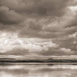 Guido Montanes Castillo - Stormy lake Vintage