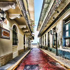 Streets of El Casco Viejo 2  by Diana Raquel Sainz