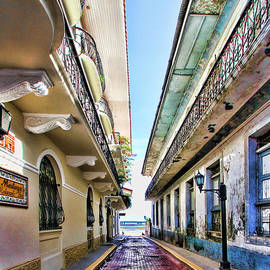 Streets of El Casco Viejo by Diana Sainz by Diana Raquel Sainz