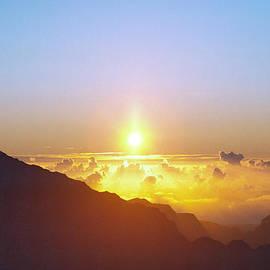 Daniel Furon - Glory Rising Above the Clouds