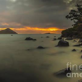 Mitch Shindelbower - Sunrise At Waimanalo