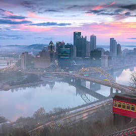 Pittsburgh Fall day by Emmanuel Panagiotakis