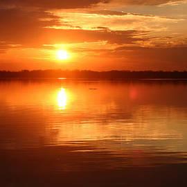 Edie Ann Mendenhall - Sunrise On Lake Woodruff