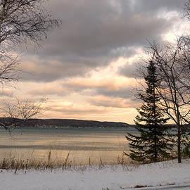 Linda Kerkau - Sunset At Crystal Lake