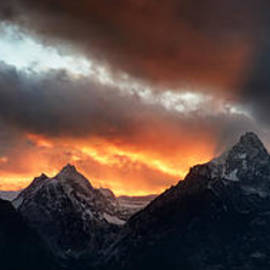 Mike Berenson - Sunset Light Rays From The Tetons