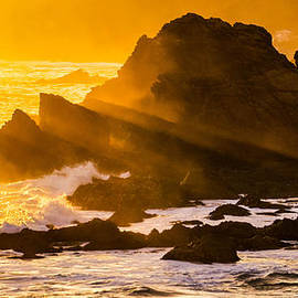 Teodora Motateanu - Sunset Rays at Cape Palliser