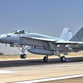 Super Hornet Arriving by Gordon Elwell