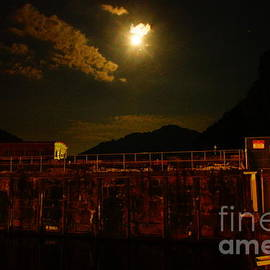 Timothy Connard - Super-Moon Over Kanawha River Valley