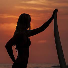 Lee Kirchhevel - Surfer Sunset Silhouette