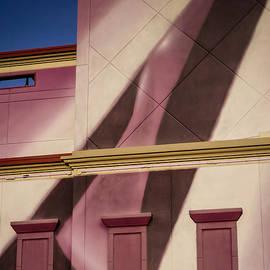 Tail Wind by George DeLisle