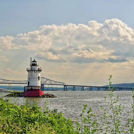 Tarrytown Lighthouse and Tappan Zee Bridge Sleepy Hollow NY