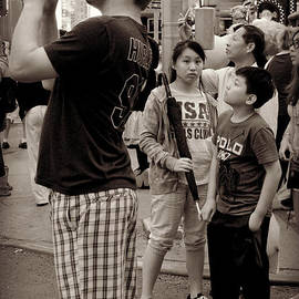 Miriam Danar - The Awesome That is Times Square - Kids in the Crowd