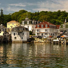 At Lands End Photography - The Charm of Stonington
