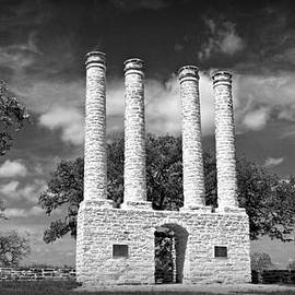 Stephen Stookey - The Columns of Old Baylor at Independence