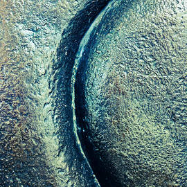 The Curve - Abstract by Colleen Kammerer