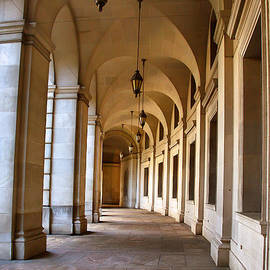 Steven Ainsworth - The Curved Colonnade