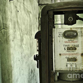 Jessica Berlin - The Gas Pump