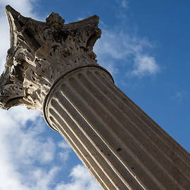 Georgia Mizuleva - The Grandeur of Pompeii - a Corinthian Capital Column in the Sky