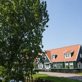 Georgia Mizuleva - The Idyllic Dutch Village Marken Near Amsterdam Holland
