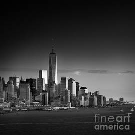 Justin Foulkes - The Lower Manhattan skyline from New Jersey