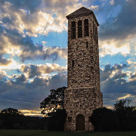 Lara Ellis - The Luray Singing Tower