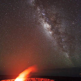 The Milky Way and Halema'uma'u by Nature  Photographer