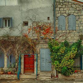 Uri Baruch - The Old Courtyard