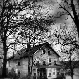 Miriam Danar - The Old House Down the Street