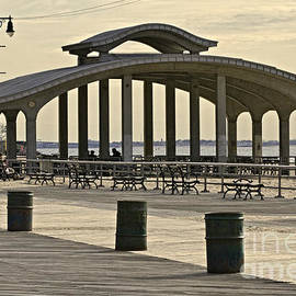 The Pavilion by Stuart Gordon