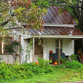 This Old House at Halloween by Linda Phelps