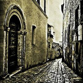 Maggie Vlazny - Todi Italy Side Street A