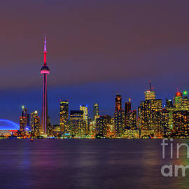 Nina Stavlund - Toronto by Night...