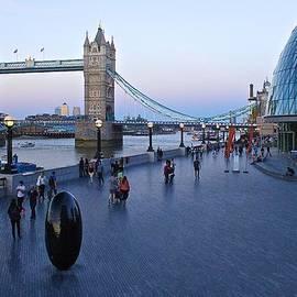 Venetia Featherstone-Witty - Tower Bridge at Twilight