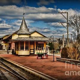 Train - New Hope Train Station by Paul Ward