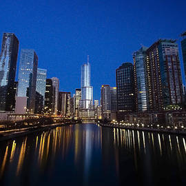 Sven Brogren - Trump Tower and Chicago River at dawn