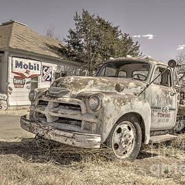 Tucumcari Tow Truck by Rob Hawkins