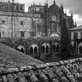 Tui Cathedral Cloister BW by RicardMN Photography