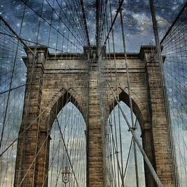 Evie Carrier - Twilight at the Brooklyn Bridge