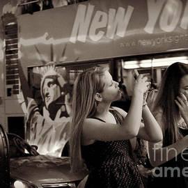 Miriam Danar - Girls with Phones and Tourbus - Times Square