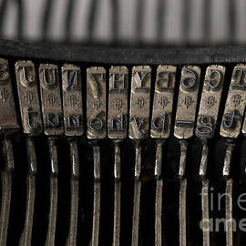 BERNARD JAUBERT - Typewriter