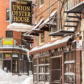 Susan Cole Kelly - Union Oyster House in Winter