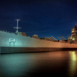 Battleship Wisconsin by Jerry Gammon